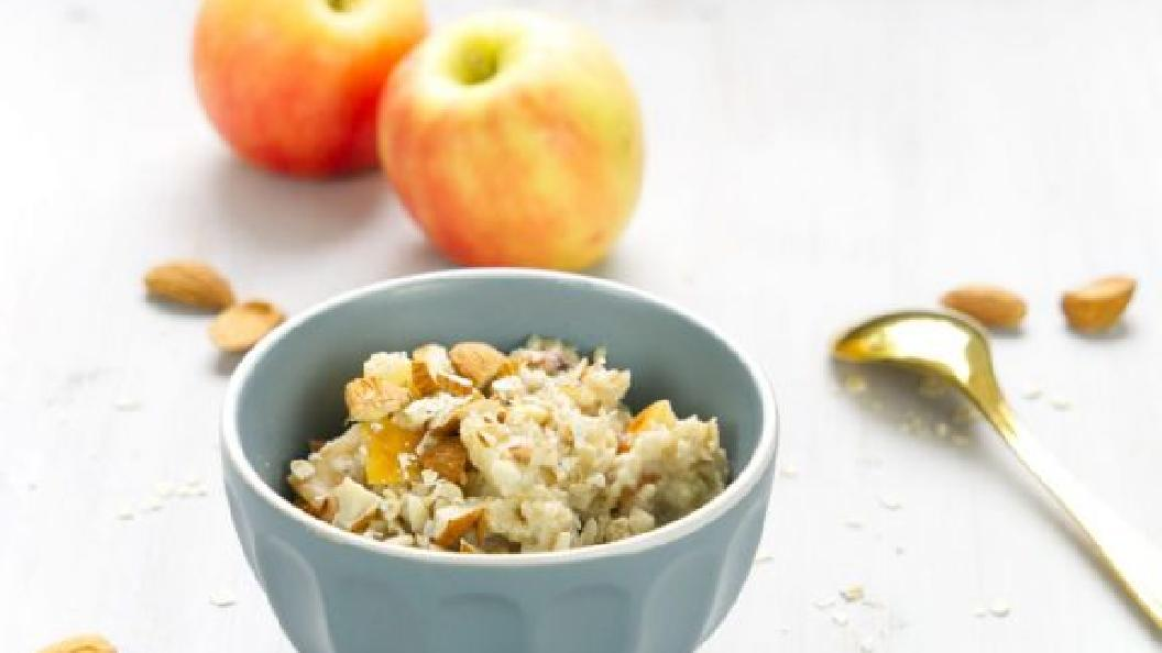 Vanille-Hafer-Porridge mit Apfel